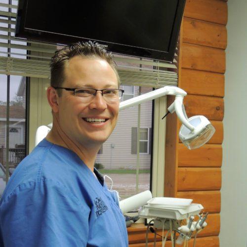 Dr Travis Hanel